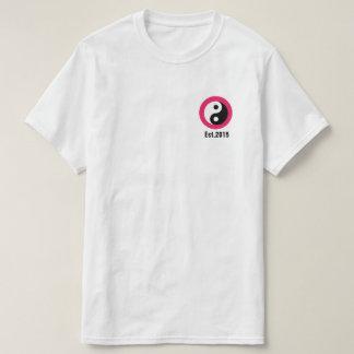 """Camiseta del """"círculo"""" del rosa de Njoku """"Yin"""