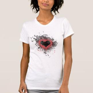 Camiseta del corazón del Grunge