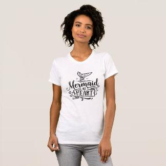Camiseta del cuello barco - sirena en el corazón