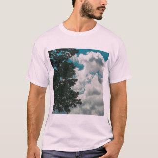 Camiseta del desgaste de la calle de los árboles y