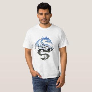 Camiseta del dragón del cromo