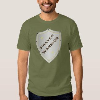 Camiseta del escudo del guerrero del rezo