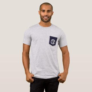 Camiseta del gris del bolsillo de los hombres del