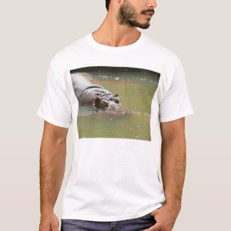 Camiseta del hipopótamo de los hombres