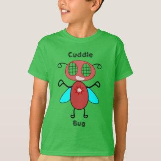 Camiseta del insecto de la abrazo