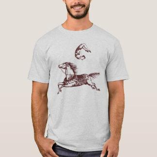 Camiseta del jinete de truco del acróbata del