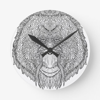 Camiseta del mono del orangután - colorante del reloj redondo mediano