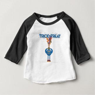 Camiseta del niño del truco o de la invitación del