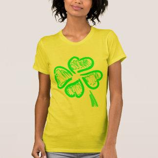 Camiseta del trébol de cuatro hojas