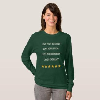 Camiseta Democracia del amor