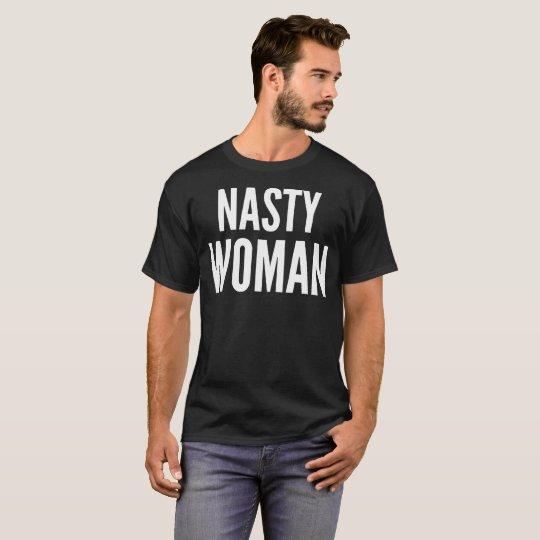 Camiseta desagradable de la tipografía de la mujer