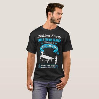 Camiseta Detrás de jugador de tenis de mesa hay una