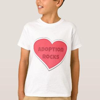 Camiseta Diseño del corazón del rosa de rocas de la