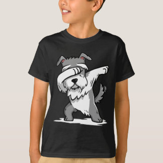 Camiseta divertida del Schnauzer que frota