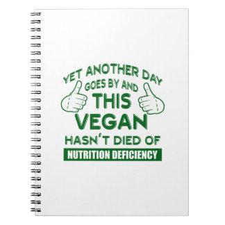 Camiseta divertida del vegano cuaderno