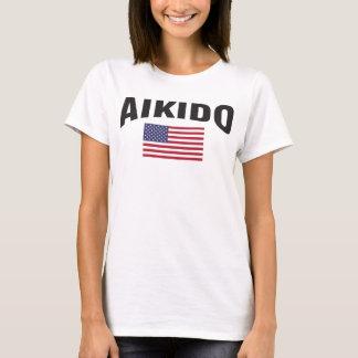 Camiseta El Aikido Estados Unidos señala por medio de una