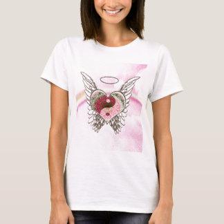 Camiseta El ángel del corazón de Yin Yang se va volando la