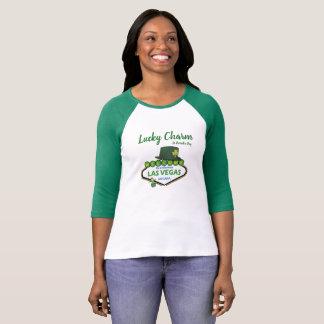Camiseta El día de St Patrick afortunado del encanto en la