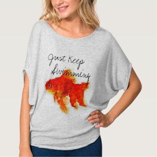 """Camiseta El Goldfish de las mujeres """"apenas guarda el"""