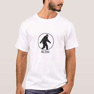 Camiseta ¡El logotipo de Bigfoot, cree!