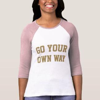 Camiseta El poder impresionante del chica va su propia