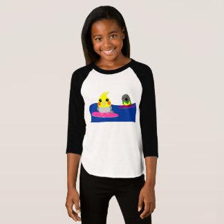 Camiseta el practicar surf del loro del Cockatiel y de