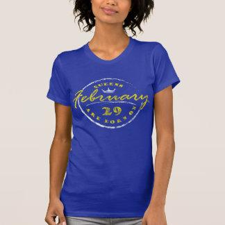 Camiseta El Queens nace el 29 de febrero (lavado y llevado)