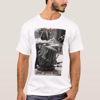Camiseta ¡el tabla, dice que tiene gusto de medio del ya