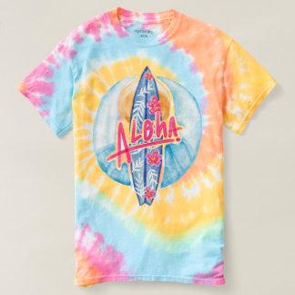 Camiseta ¡El verano está llamando! El practicar surf de la