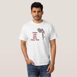 Camiseta Elija el amor sobre odio cada vez