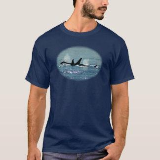 Camiseta emergente de tres orcas