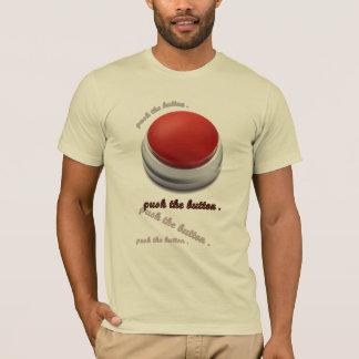 Camiseta empuje el botón