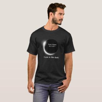 Camiseta ¿En la oscuridad sobre el eclipse solar?