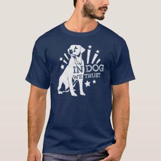 Camiseta En perro confiamos en el gráfico