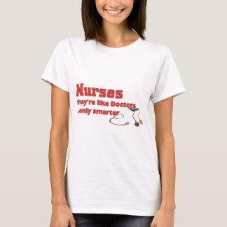 Camiseta Enfermeras, como los doctores… solamente más