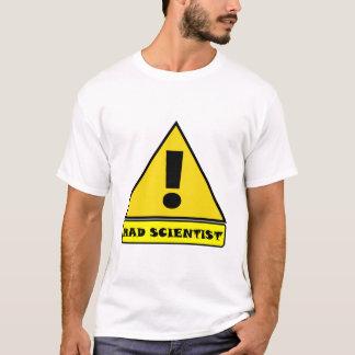 Camiseta enojada del científico