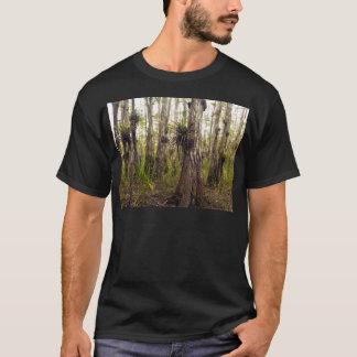 Camiseta Epiphyte Bromeliad en el bosque de la Florida
