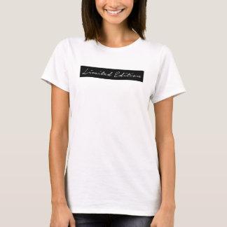 Camiseta Escritura escrita limitada del chica de la edición
