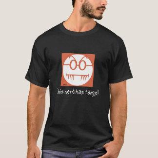 Camiseta ¡Este empollón tiene colmillos!
