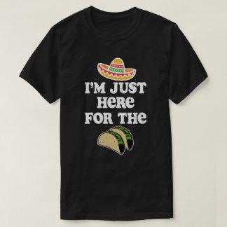 Camiseta Estoy apenas aquí para el cinco divertido de Mayo