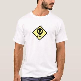 Camiseta extranjera de la muestra de la travesía