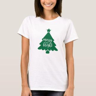 Camiseta feliz y brillante del árbol de navidad