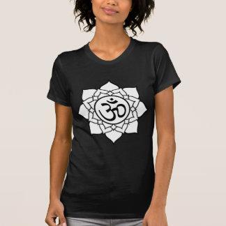 Camiseta Flor de Lotus, negra con el fondo blanco