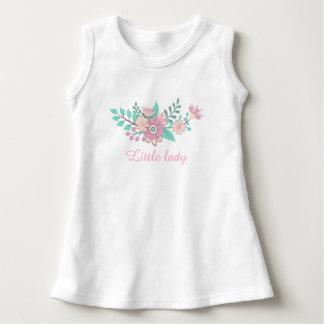 Camiseta floral de la guirnalda del texto de