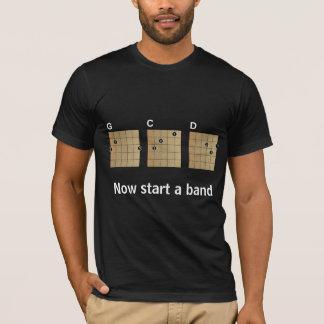 Camiseta G C D… ahora comienza una banda