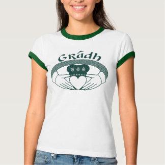 Camiseta Gaélico de Gradh del amor del anillo de Claddagh