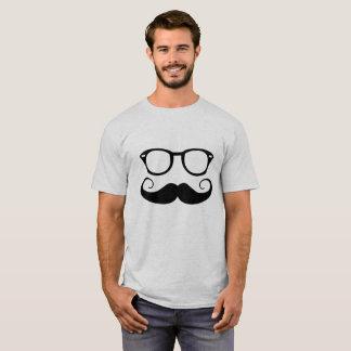 Camiseta Gafas de sol y bigote