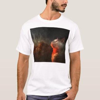 Camiseta gato que mira fijamente en el abismo del espacio