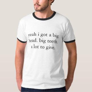 camiseta grande principal grande de los dientes
