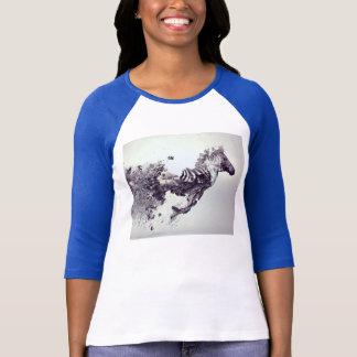 camiseta gris de largo envuelta del caballo de los